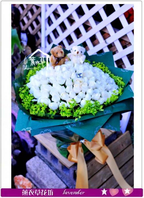 白玫瑰99朵花束G587