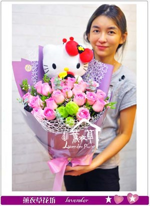 凱蒂貓&粉玫瑰花束B111613