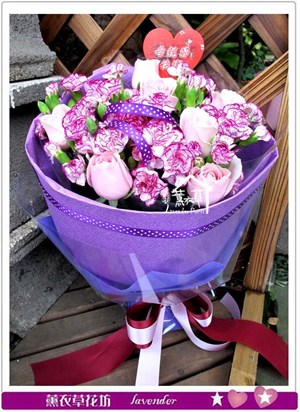 康乃馨花束c051246