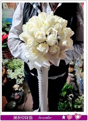 白色玫瑰花33朵b121218