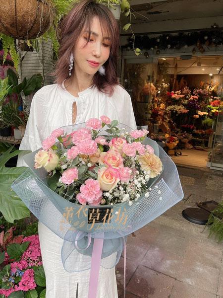 康乃馨花束 110041403