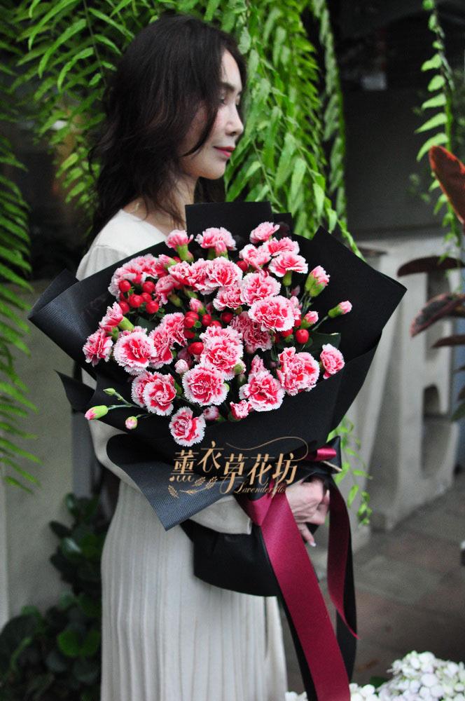 母親節~康乃馨花束 -預定全省免運109042709