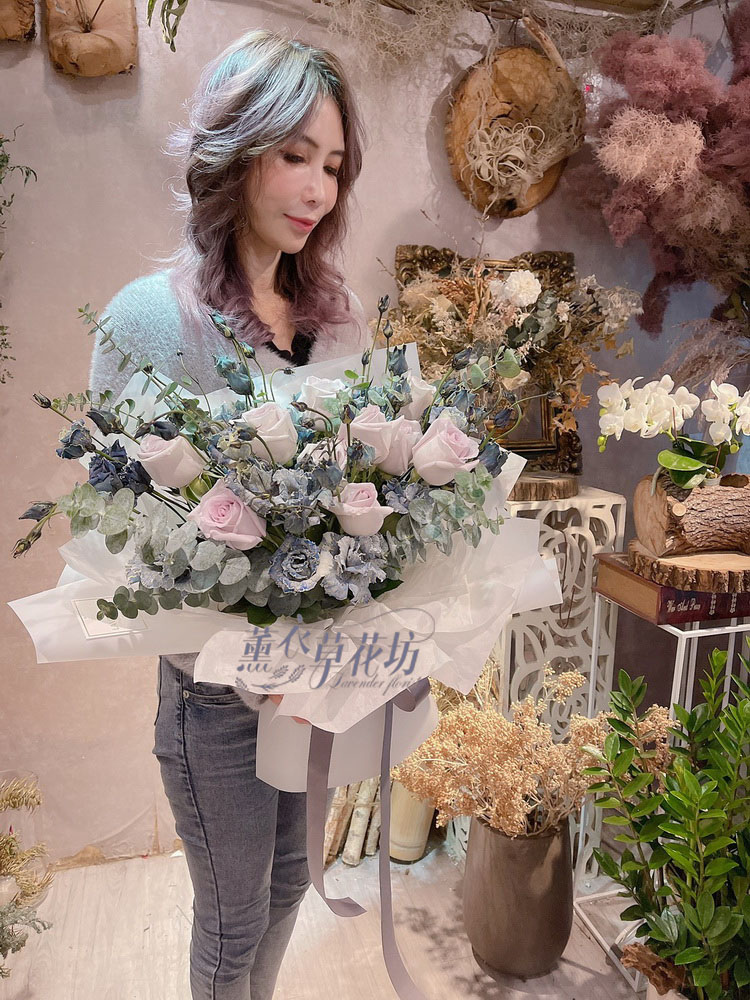 進口桔梗&進口玫瑰花束設計 110011908