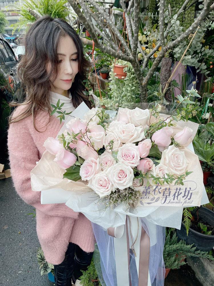 33朵 進口玫瑰花束109031415