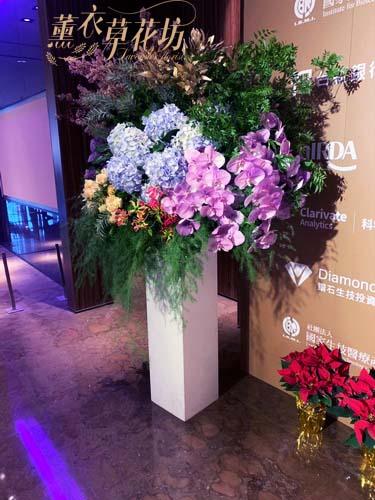 大型花柱設計ㄧ個 107112830