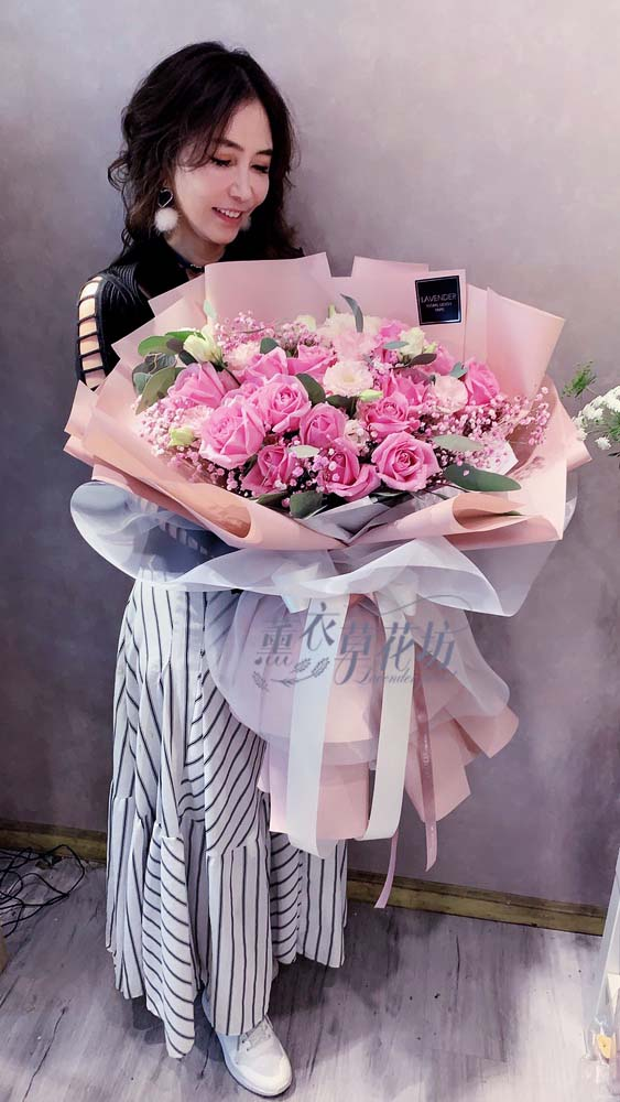 紫玫瑰花束 108033005