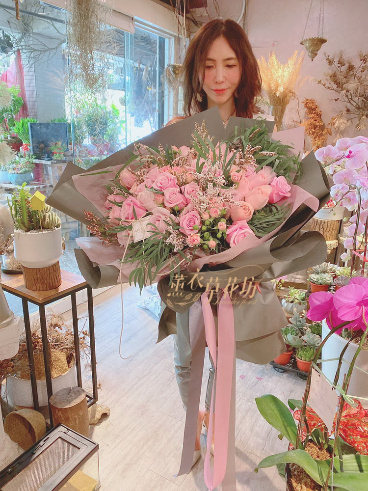 109073010 荷蘭進口粉玫瑰花束