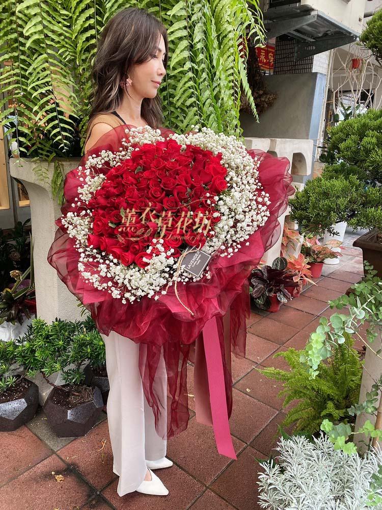 99朵紅玫瑰花束108102808