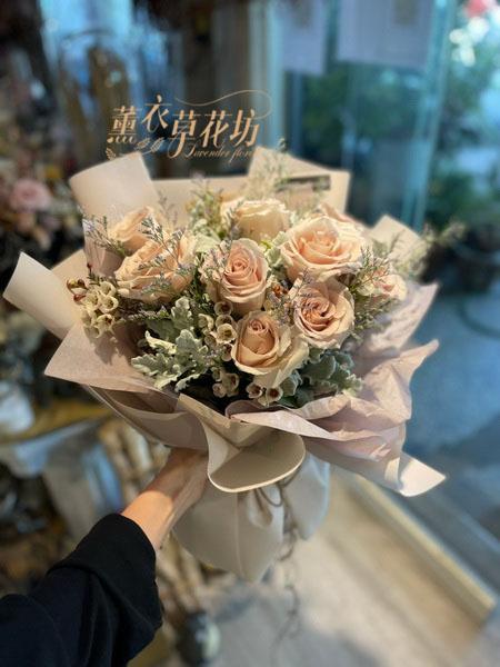 進口奶茶粉玫瑰花束-109112505