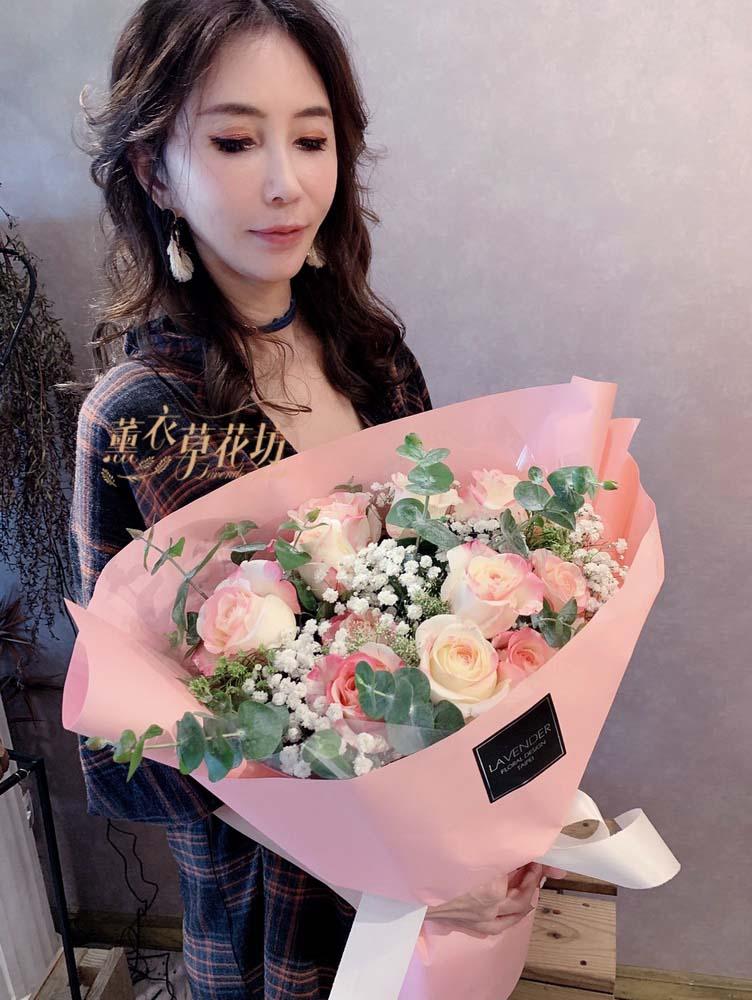 草莓牛奶玫瑰花束設計~新品種 108032631