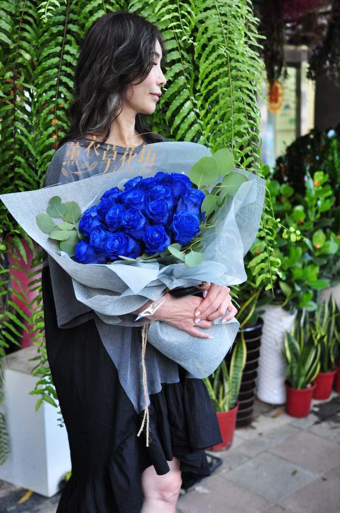 荷蘭進口藍玫瑰 106082517