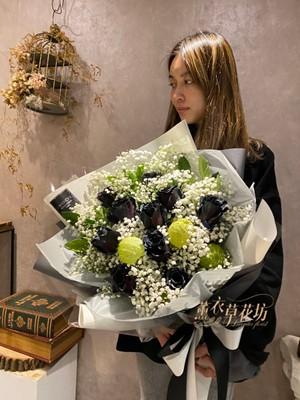 黑玫瑰花束B122506