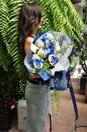 荷蘭進口~2019新品種~藍色漸層玫瑰花束108072032