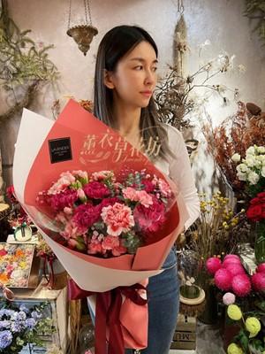 康乃馨花束 110050220