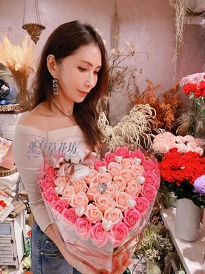 缺貨~香氛玫瑰花盒c072653