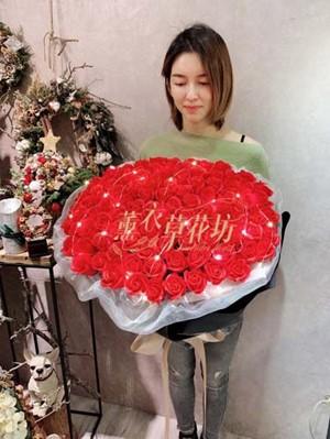 99朵香氛玫瑰花束 107120701